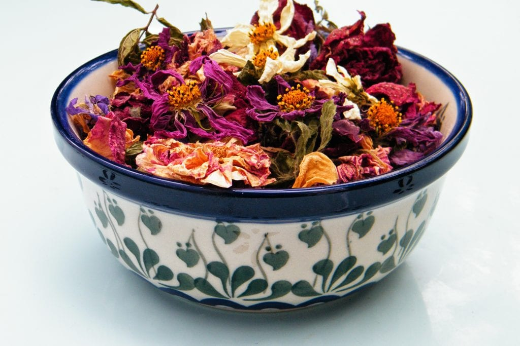 dried rose potpourri cosmos topper