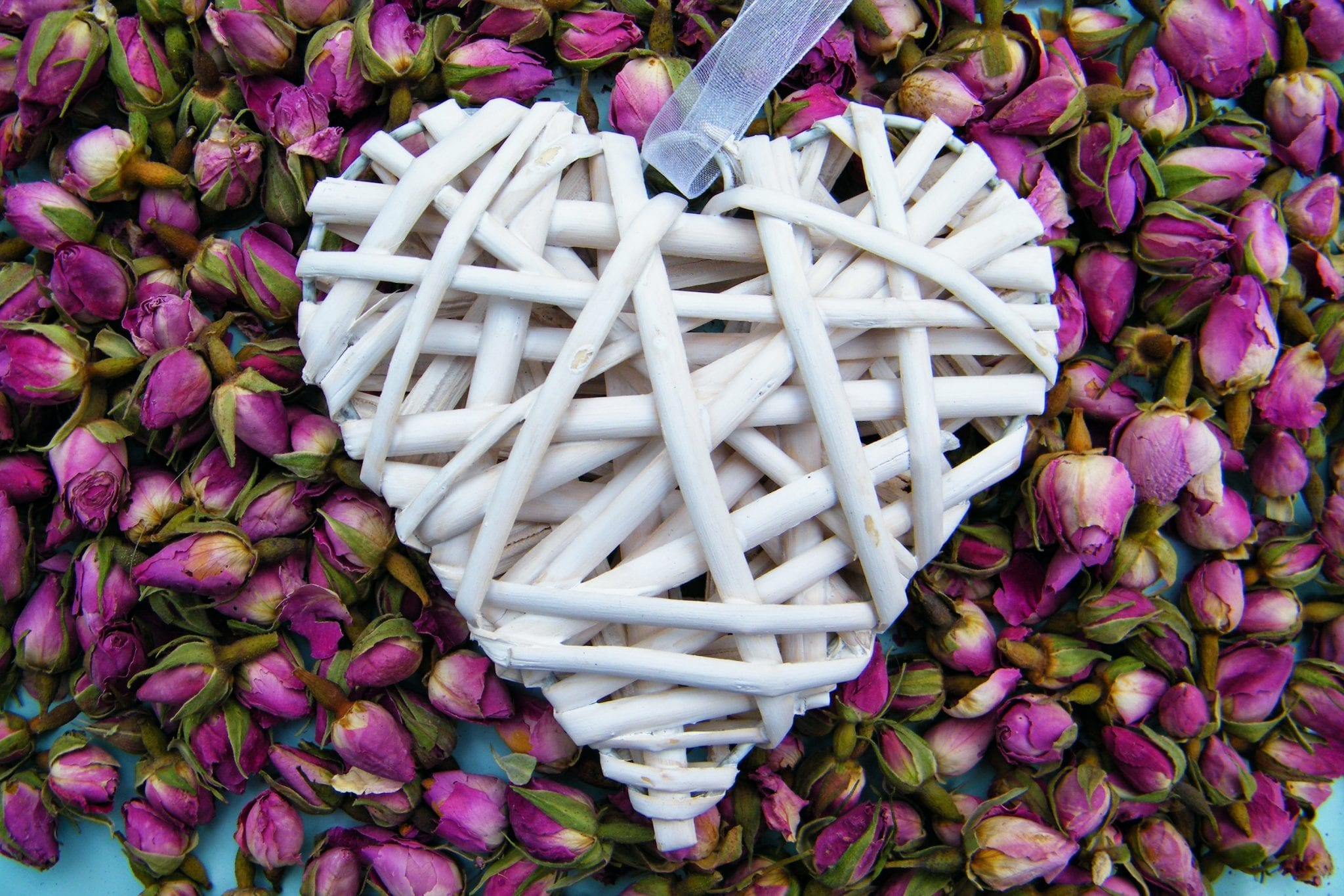 dried rose buds heart dried flower buds