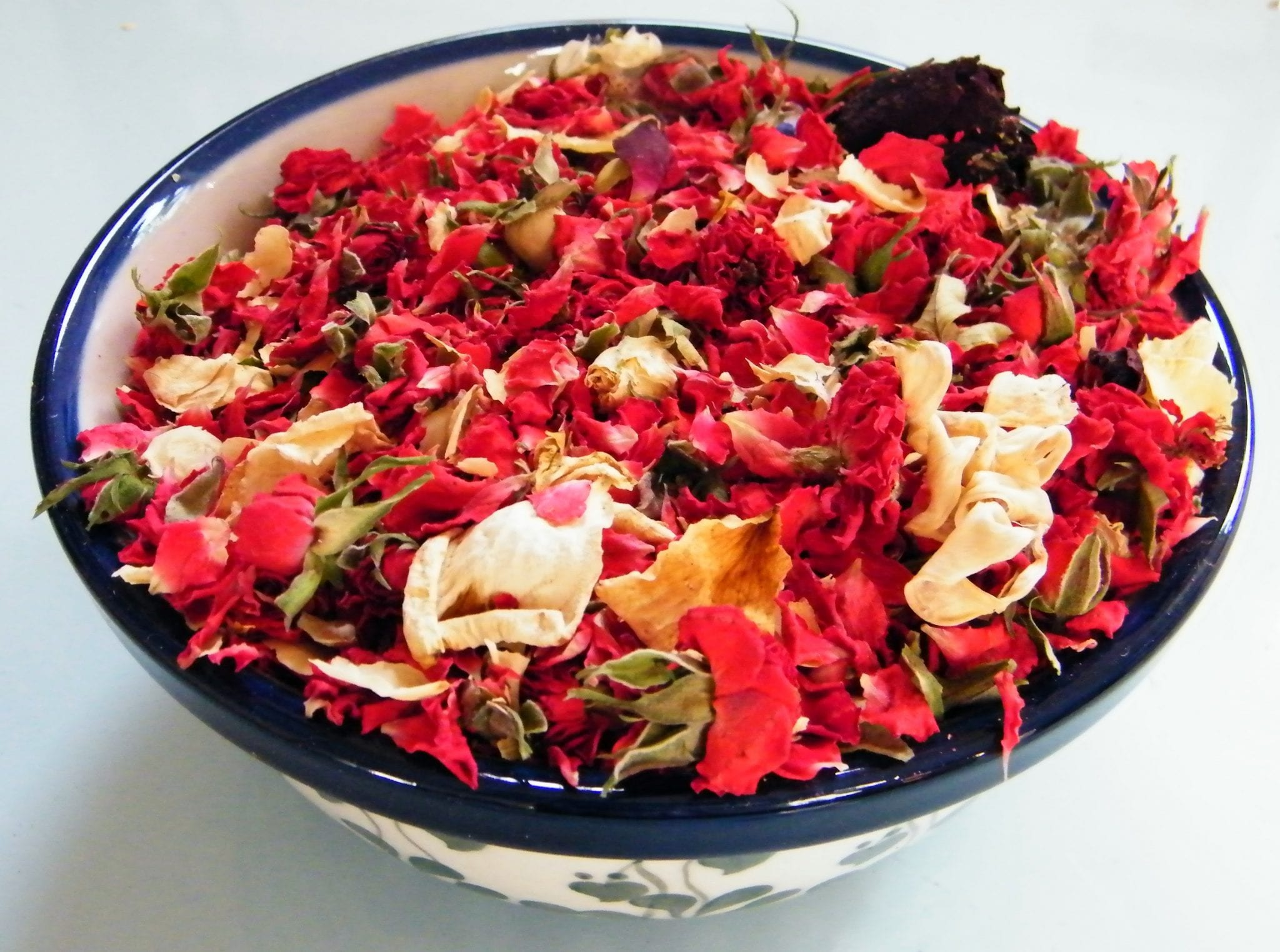sweetheart potpourri bowl dried rose buds
