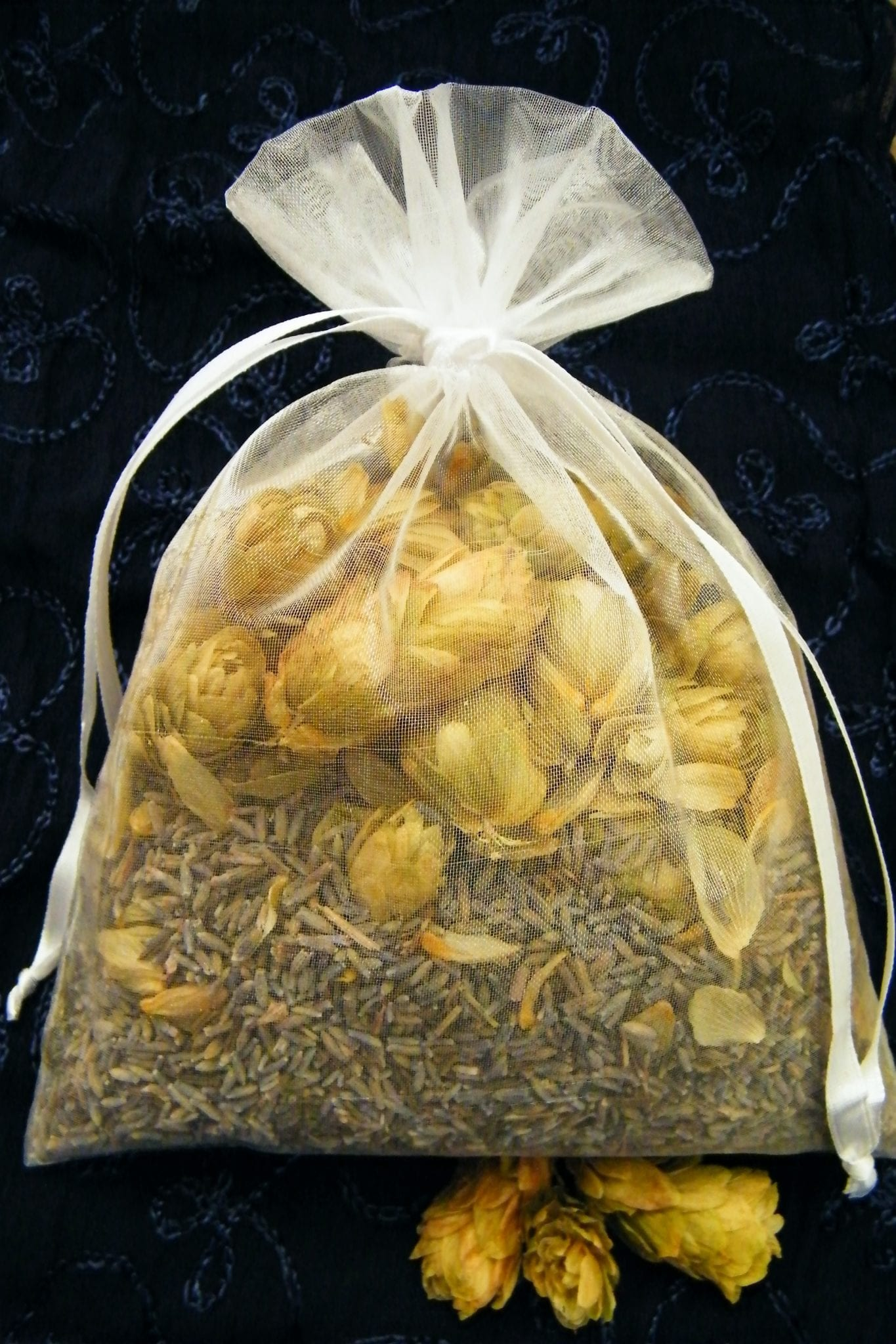 lavender dried hops pillow