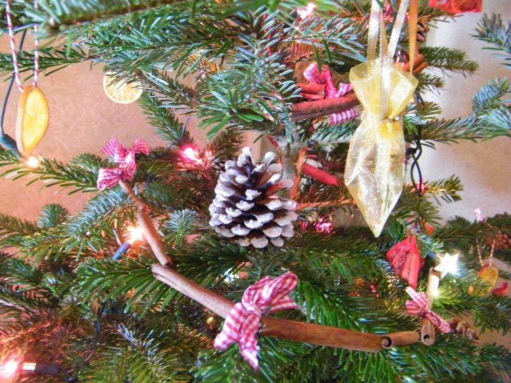 christmas tree natural cinnamon stick garland