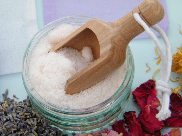 bath soak scoop salt