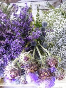 dried flower bunches hanging