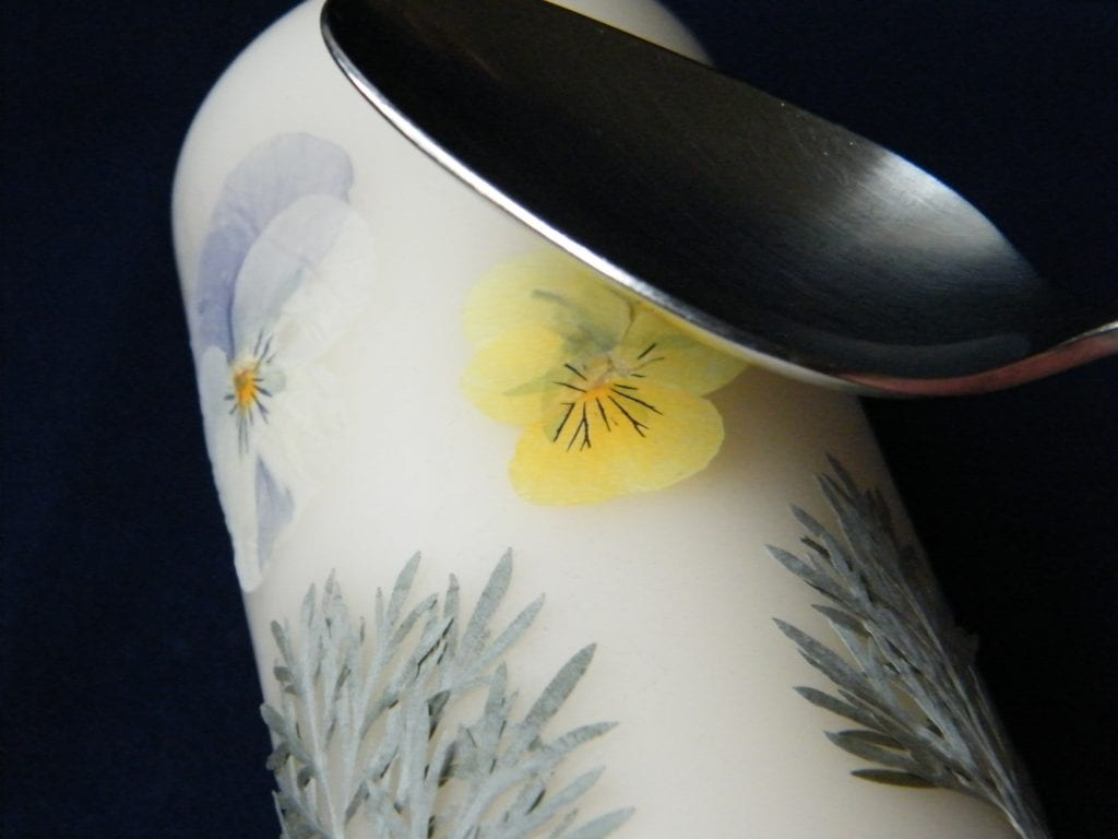 pressed flowers candle spoon