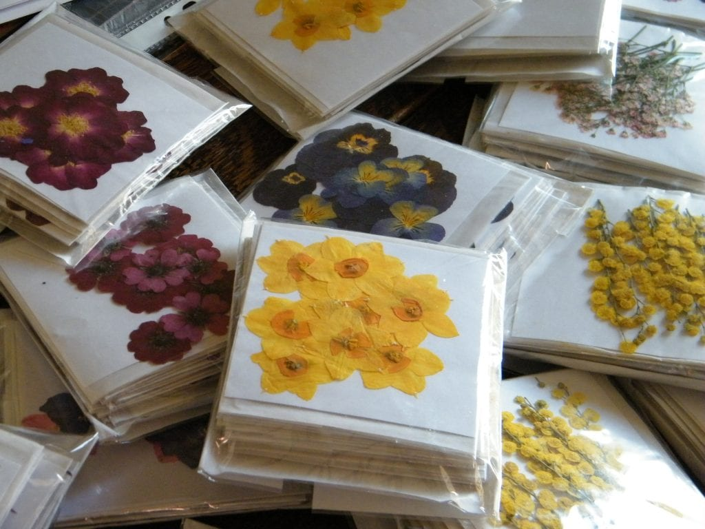 British pressed flowers delivery