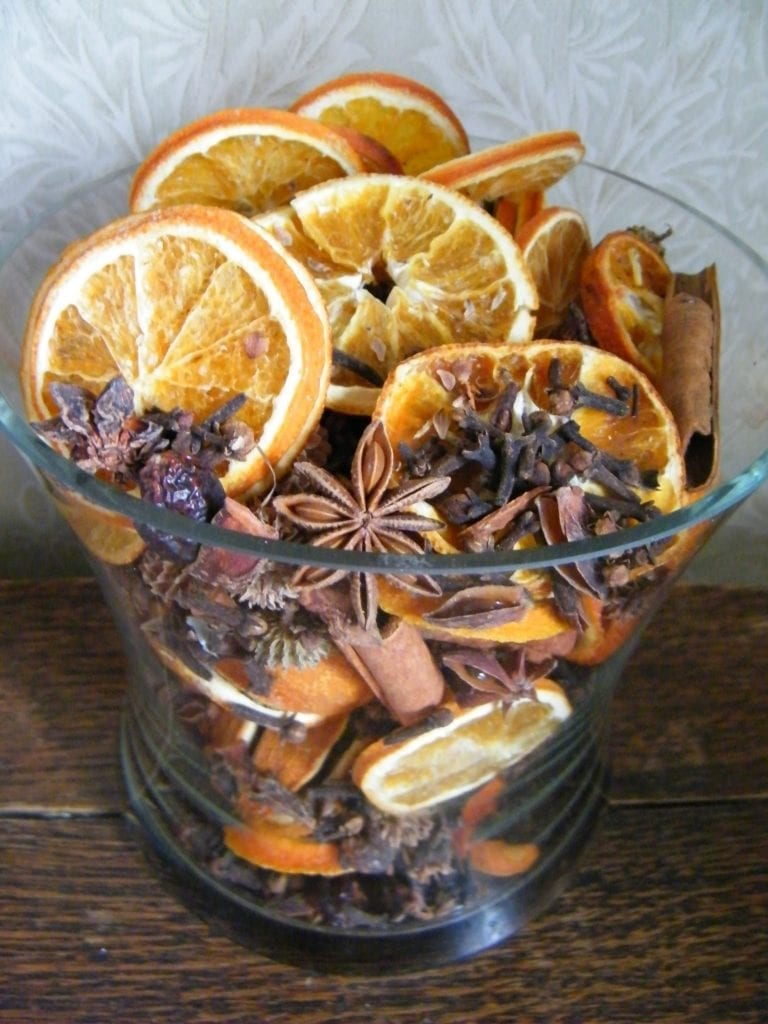 dried flower craft - potpourri making