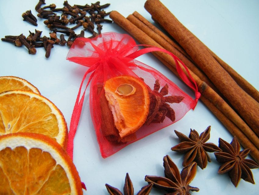 christmas scented bag ingredients