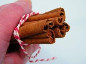 making cinnamon stick bundle christmas tree decoration
