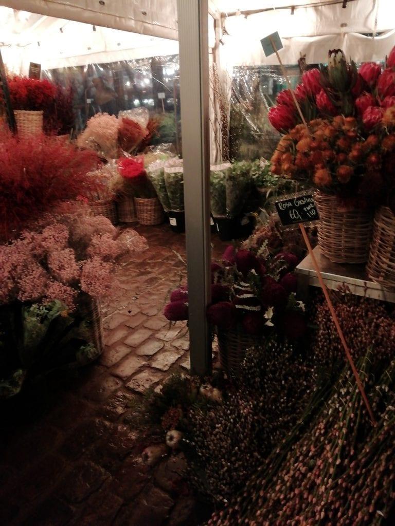 Torvehallerne market florist outside