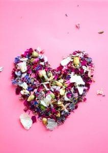 love biodegradable confetti